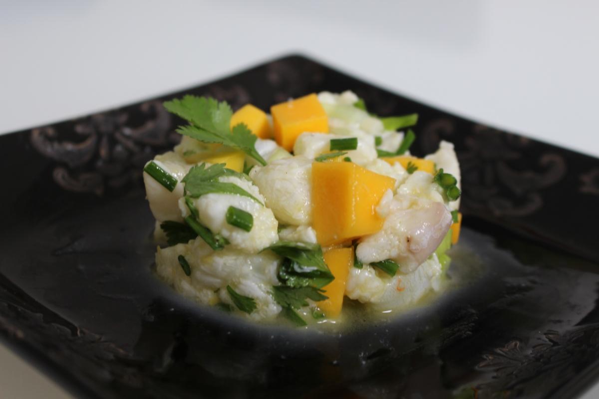 Tartare de cabillaud, mangue et herbes fraîches - recette autour d'un ingrédient #27