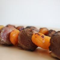 Brochettes magret de canard et abricot sec
