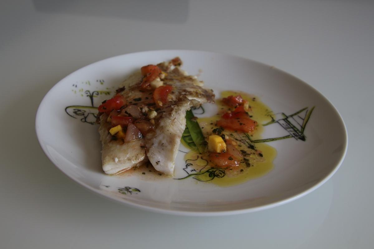 Filet de dorade sebaste plancha et sauce vierge